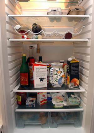 För fullt? I Landskrona kollar socialtjänsten de nödsökandes kylskåp innan nödpengar betalas ut. Samtidigt går det fantastiskt bra för landet Sverige. Ett gigantiskt fördelningsmässigt systemfel, anser ledarsidan.