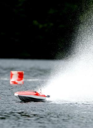 Per-Erik Dahlins båt stack ut en aning med sin grälla färg.