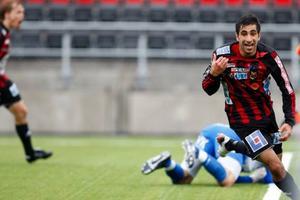 Alan Al-Kadhi har precis tryckt in 2–1 och är hur glad som helst. Men på övertid lyckades Umeå kvittera till 2–2. Det som såg ut att bli tre friska poäng till hemmalaget blev bara en enda – och med en bitter eftersmak.