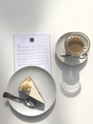 Blåbärscheesecake från Broken Arm i Paris.