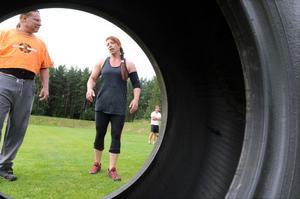 Motståndare var TV-gladiatorn Meduza, som egentligen heter Anna Rosén och är Sveriges starkaste kvinna.