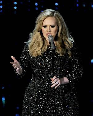 Det har tagit fyra år och en Bond-låt, men nu är Adeles emotsedda tredje album