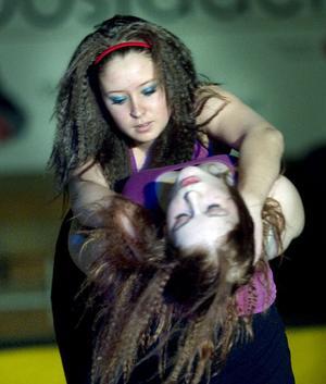 Dansen som Rebecka och Frida framförde var koreograferad av Zarah Zeidlitz.