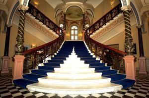 Den berömda trappan i hotell Knaust på Storgatan.