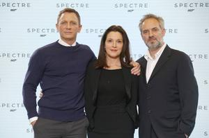 Daniel Craig, producenten Barbara Broccoli och regissören Sam Mendes på en bild från 2014 då planerna på