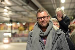 Patrik Ross var suppleant i Mora IK:s styrelse så sent som i höstas. Men han lämnade in en avskedsansökan innan han klev på tränaruppdraget i Rögle.