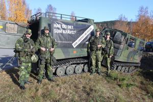 Per Brodén, Johan Öhgren, Viktor Hällholm och Pontus Löfgren informerade om försvaret.