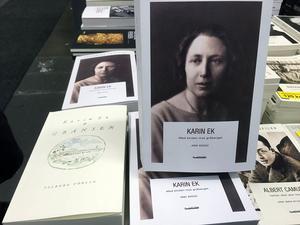 *Två böcker uppmärksammar poeten Karin Ek, en biografi,