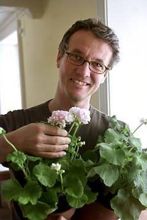 Arkivfoto. Klackarna i taket. Lars Krantz, mannen bakom trädgårdssatsningen, är förstås mycket glad över miljonerna.