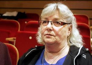 Efter allmänhetens frågestund under Östersunds kommunfullmäktigemöte i torsdags var Ann-Christine Strömberg, ordförande för Hyresgästföreningen i Östersund, missnöjd. För beskedet var att kommunen inte jobbar aktivt för att frigöra hyreslägenheter för unga bostadslösa.