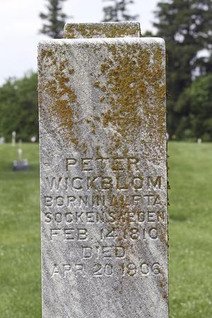 Peter Wickblom föddes i Alfta den 14 februari 1810, dog i Bishop Hill den 20 april 1906