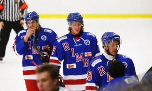 Tung förlust för Rimbo Hockey mot Tyresö Hanviken. Nu väntar ett avgörande möte i morgon.