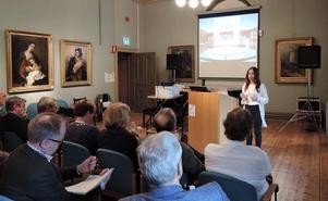 Evelina Wahlqvist, analytiker på Riksutställningar, presenterar en ny studie om landets länsmuseer.