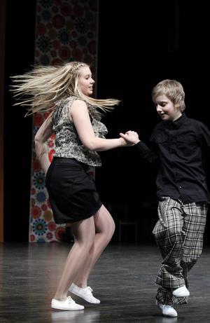 2011-02-26   Sundsvallssnurren, som arrangeras av dansklubben Altira och Trolldansarna, lockade omkring 425 tävlande till Tonhallen i helgen