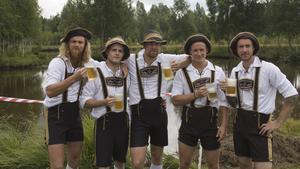 """""""Geile jungs"""", med lagmedlemmar från Skinnskatteberg och Riddarhyttan, var ett av tio deltagande lag i Skinnsbergskampen i lördags. Deltagarna i """"Geile jungs"""" har varit med i flera upplagor av Skinnsbergskampen."""