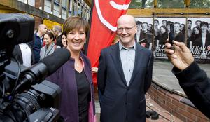 Ofta här. Socialdemokraternas ledare Mona Sahlin, här med partikamraten Thomas Östros, var åter i Västerås.foto: rune jensen