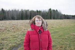 Sofie Piehl, NT:s lokalredaktör i Rimbo när det begav sig, tillbaka på olycksplatsen.