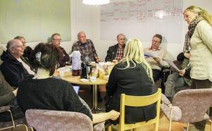 En ny lösning för hantering av kontanter lokalt på orten diskuterades i Los under måndagskvällen.