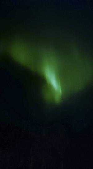 En läsarbild på norrskenet som togs i Birsta.