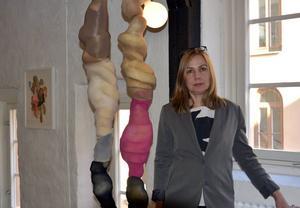 Charlotte Enström och skulpturen
