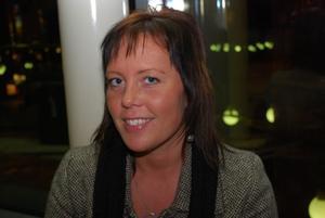 Miriam Thörn 29 år Gävle Arbetar1. Vilken film ska du se idag och varför just den filmen?Saw 5, jag har sett dem tidigare filmerna och jag tycker att dem var bra.2. Vilken är din favoritfilm och varför?Det är många, men jag tycker nästan om alla skräckfilmer.