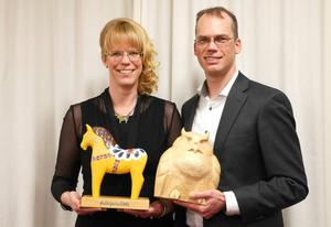 Guldhästvinnare 2014 – familjeföretaget Leksands Knäckebröd. Syskonen Annika Sund och Peter Joon tog emot Guldhästen och Ugglan från företagarföreningen i vänorten Tobestu i Japan.