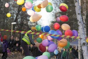 Ballonger i stället för fyrverkerier i Surahammar.