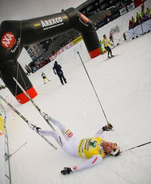 Trött men lycklig tog sig Mathias Fredriksson i mål i andra upplagan av hans egna tävling Åre Cross Country Open.