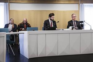 Jörgen Jonsson ordförande SSR, Mats Berg ordförande Girjas sameby och advokaterna John Olsson och Peter Danowsky. Girjas sameby och SSR (Svenska Samernas Riksförbund) stämmer staten, mål i Gällivare tingsrätt.
