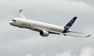 Vid fyra, fem-tiden på fredagsmorgonen hade Thomas Cook en flygövning ute vid Örebro flygplats. Flera personer väcktes av ljudet från flygplanet. Flygplanet på bilden är inte av samma modell som det plan som används vid övningen.