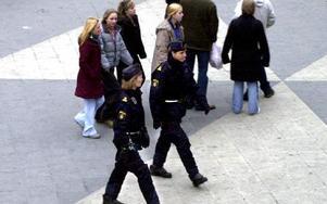 Polisen måste finnas på de platser och de tider som den behövs bäst, såväl i stad som på landsbygd. foto: scanpix