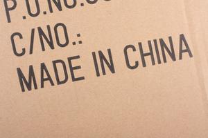 Var fjärde försändelse kommer från utlandet, enligt Postnord. Kina är det land vi handlar mest från.