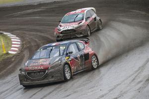 Banan blev lerig på grund av det hårda regnet. Kevin Eriksson hamnade bakom den forne rallyvärldsmästaren Sébastien Loeb.