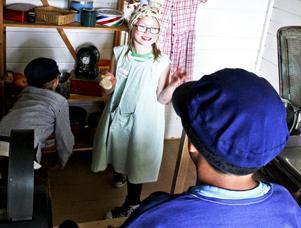 Wilma Hedkvist tyckte om att leka kassörska i handelsboden.
