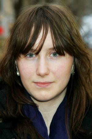 Jennifer Aronsson, 17 år, Vålbacken:– Ja. Jag har börjat julstäda hemma och så har vi satt belysning i utegranen.