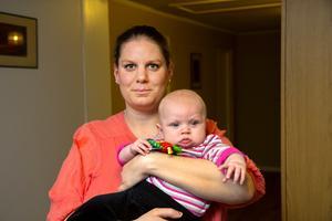 Det kunde ha slutat riktigt illa konstaterar Victoria Stenström här med dottern Sofia, fyra månader.