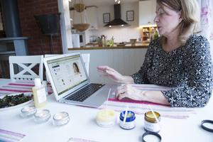 AnnChristin är inte teknikrädd. En hemsida är på gång och mycket planeras i detalj inför det nya företaget.