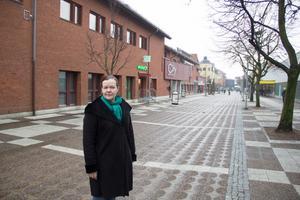 Gunilla Berglund (C) vill färre att Avestabor ska behöva åka till Falun för att planera vård av personer som är färdigbehandlade på Falu lasarett.