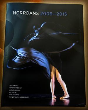 Norrdans nya bok är en fest för ögat.