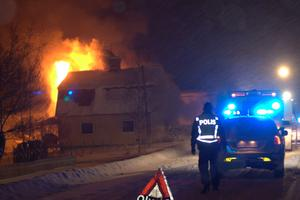 Ett hus brann ner till grunden i Fors i natt.