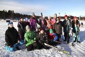 Alla fjärdeklassare i Bollnäs kommun får komma till Bollebacken och prova på både slalom och utförsåkning under Alla på snö-dagarna.
