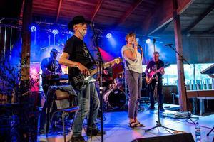 Ett band från Borås med namnet Too Däää gör i år sitt första gig på Rock mot Cancer.