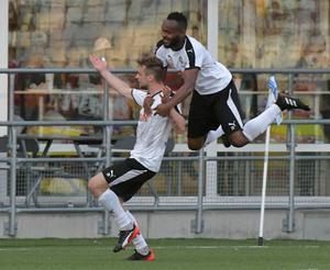 Filip Rogic fixade poäng för ÖSK mot AIK med ett kanonskott på övertid på Friends arena.