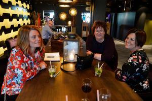 Jessika Sjölander, Carina Eriksson och Kikki Nilsson från Sundsvall trodde showen skulle bli mycket bra.