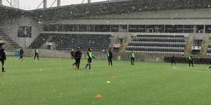 Drömmigt fotbollsväder på Gavlevallen.