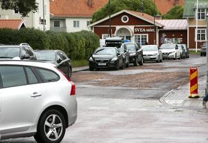 Flera nya rännstensbrunnar ska läggas ner på Sparbanksgatan.