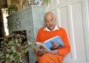 Lennart Hellsing läser ur sin