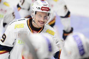All anledning att le! Hockeylivet leker just nu för Sebastian Strandberg, som toppar skytteligan i det pågående SM-slutspelet i ishockey.