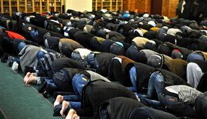 Gruppen muslimer i Sverige är sammansatt och inte alla utövar religionen aktivt, med exempelvis moskébesök, påminner Emma Jaenson.