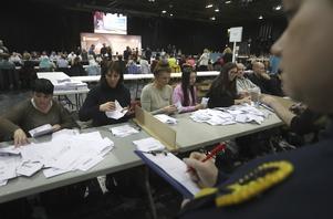 Valsedlarna kontrollerades på SEX Centre i Glasgow.